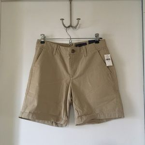 "NWT Gap khaki shorts size 0 7"" inseam"